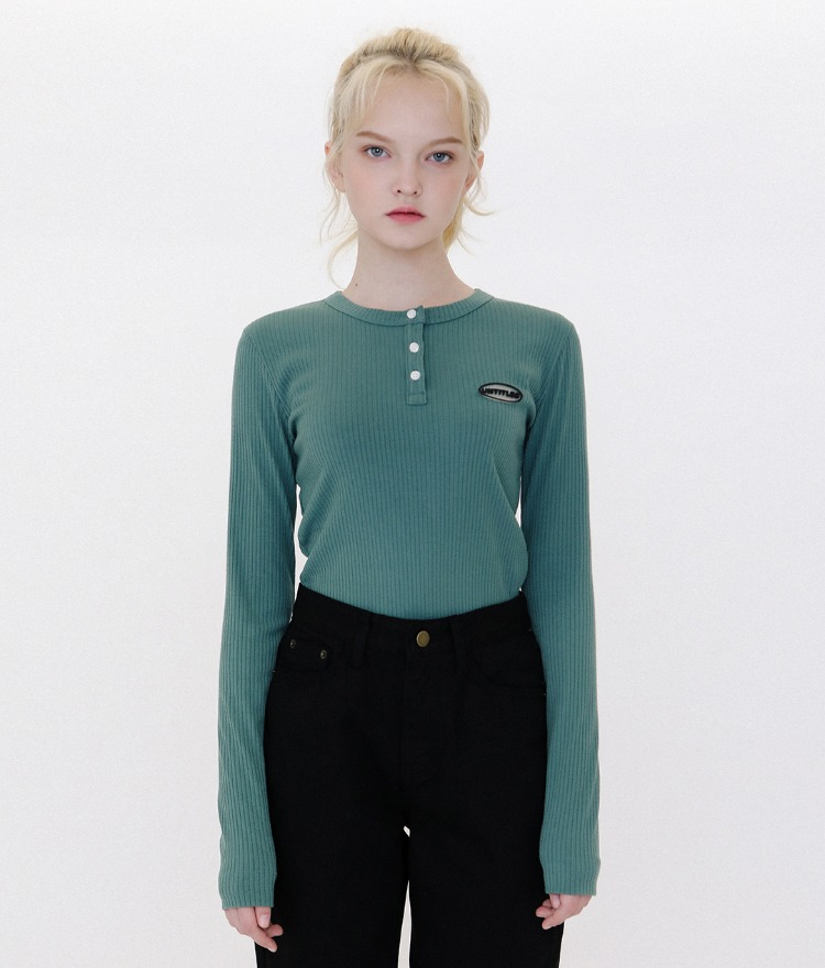 UNTITLE8Logo Patch Henley Neck Green Ribbed Top