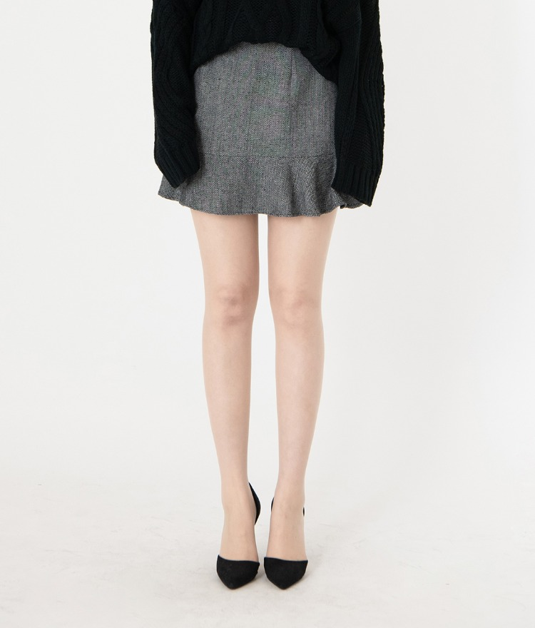 ROMANTIC MUSEHerringbone Ruffled Hem Mini Skirt