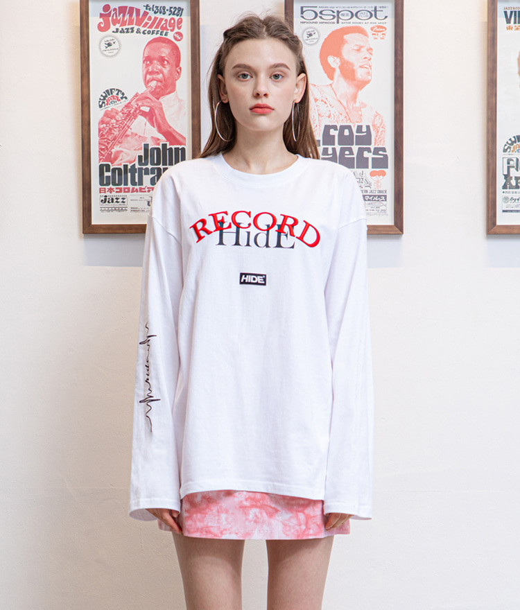 HIDEIvory-Tone Lettering Logo Loose Fit T-Shirt