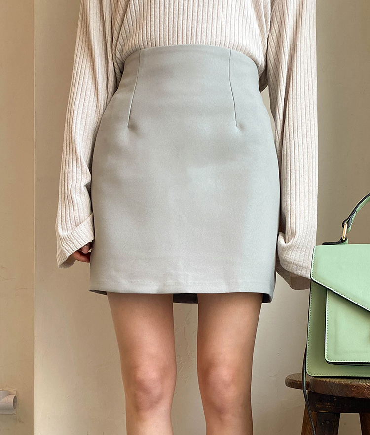 ESSAYBasic H-Line Mini Skirt